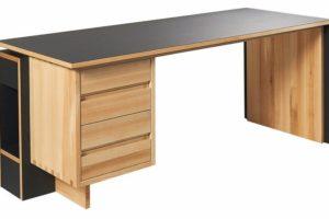 Schreibtisch-in-Linoleum-und-Esche).jpg