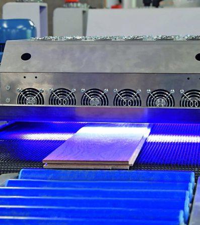 Rubio_Monocoat_LED_Industrieeinheit.jpg