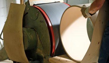 Sindelfinger-Holzmanufaktur_tom_schleifen.jpg