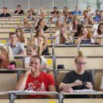 Hochschule_Rosenheim_Imageaufnahmen_Studentisches_Leben_Campus_Kurse_Vorlesung_Labore_Werkstätten_Foto:_www.florianhammerich.com