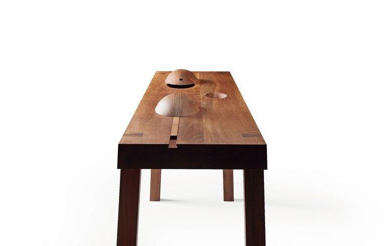 Tisch_mit_drei_ovalen_Schalen_Nussbaum_by_Juergen_Eheim.jpg