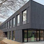 Außen vergraut, innen Rohholzeffektlack: der Neubau an der Universität Hohenheim Foto: Universitätsbauamt/team bildhübsche fotografie