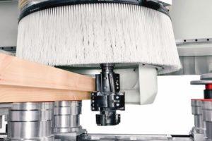 Ein eigens entwickelter Späneförderer gewährleistet maximale Sauberkeit auch bei hohen Spanabnahmen Foto: SCM Group Deutschland GmbH
