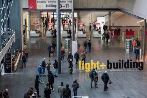 frankfurt_light_building_corona_verschiebung.jpg