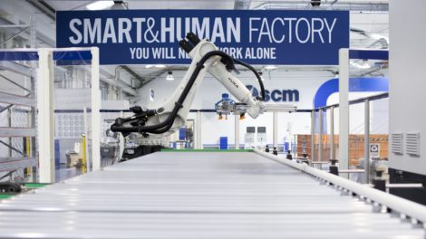 Roboter-Holzbearbeitung-scm